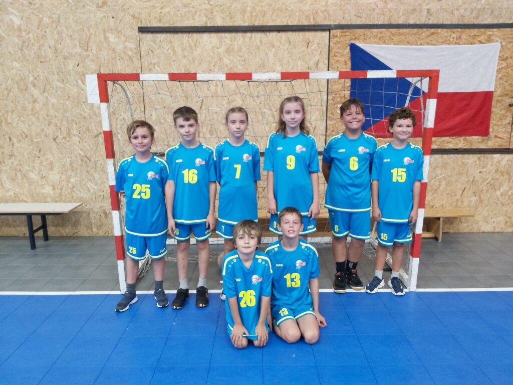 Mini pokračovali v podzimní části sezóny turnajem v Úvalech